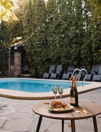 Окремий басейн для вечірки